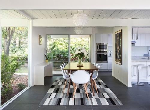 Contoh desain interior minimalis namun lega di rumah mungil type 45