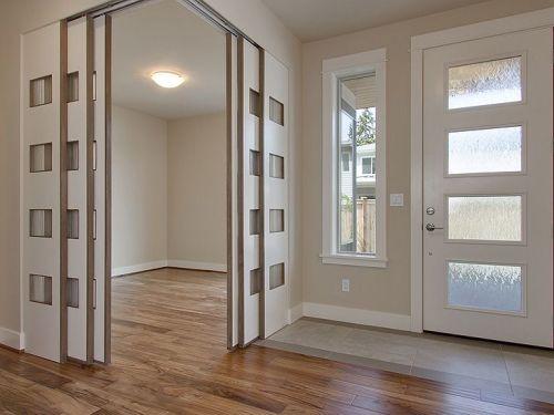 Contoh penggunaan pintu Japanese Style untuk menghemat ruang di rumah minimalis