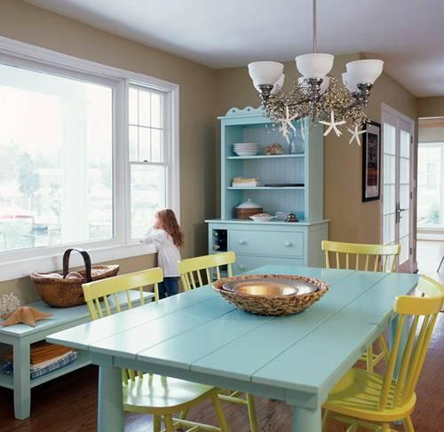 Dapur bernuansa pantai dengan aksesoris laut - Interiordecortips