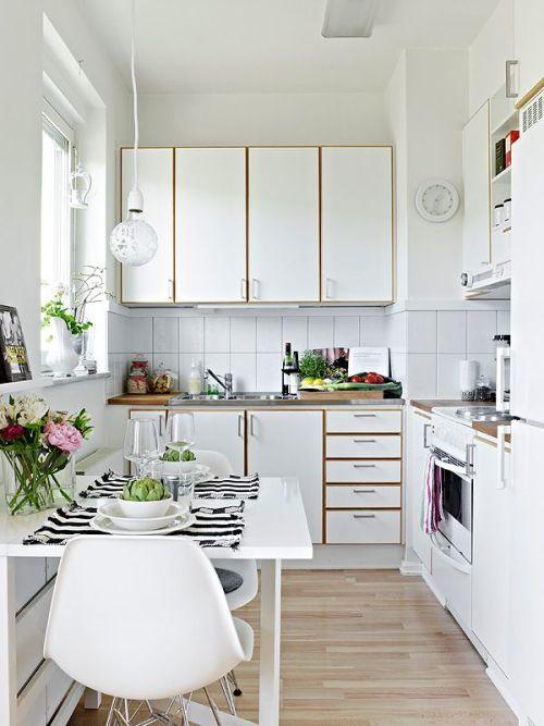 Dapur bernuansa putih namun kreatif - Kimciripit