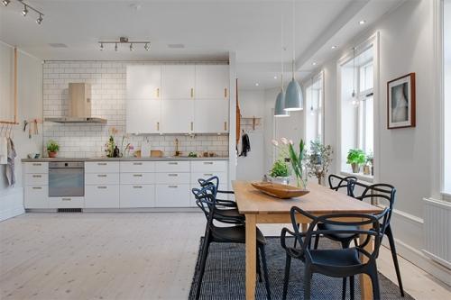 Dapur minimalis modern dengan dekorasi dan furniture simple