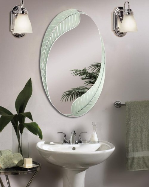 Dekorasi interior kamar mandi dengan cermin unik (Virginiavoice)