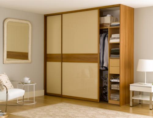 Desain Interior Modern kamar tidur dengan lemari sliding (Sliderobes)