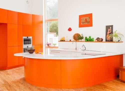 Desain dapur mungil dengan warna stabilo - Inmyinterior