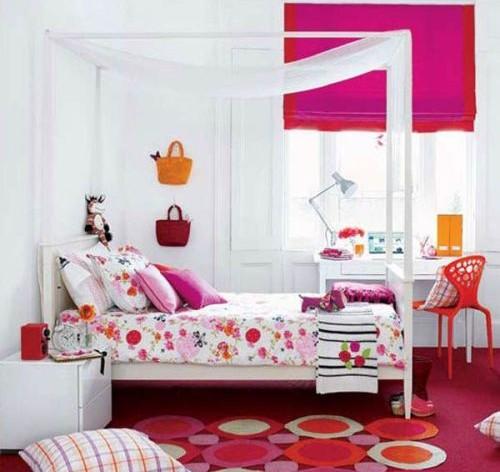 Desain kamar tidur anak dengan ranjang kanopi (Pjtena)