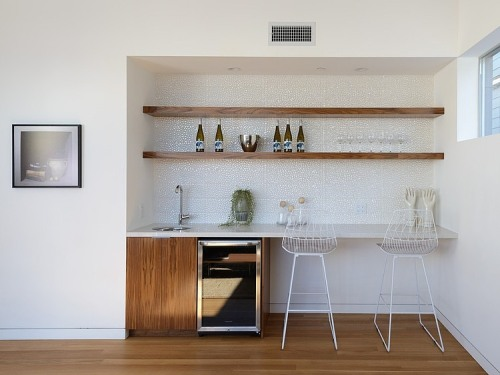 Furniture efektif pada rumah minimalis modern 1 lantai