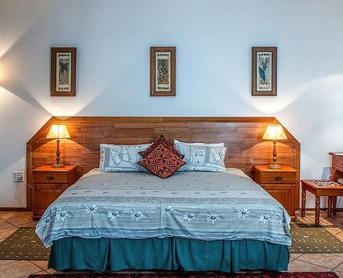 Furniture minimalis tanpa ornamen adalah pilihan untuk rumah sederhana