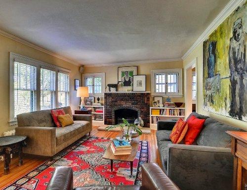 Interior rumah mewah 1 lantai penuh ekspresi seni