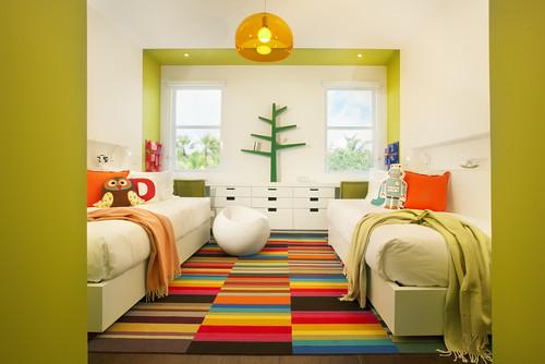 Kamar anak bertema netral dengan stripe -Houzz