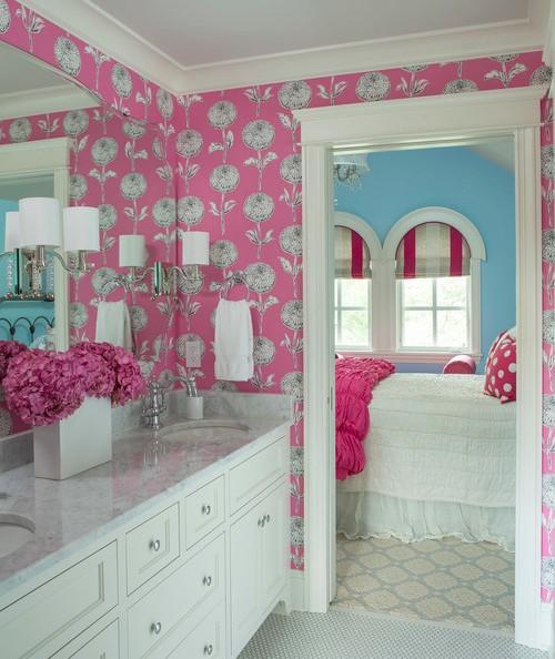 Kamar mandi anak perempuan dengan kamar mandi
