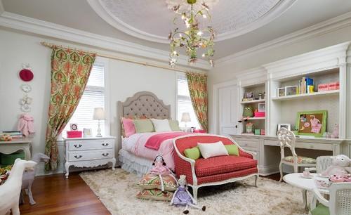Kamar tidur anak perempuan dengan tema Cinderella