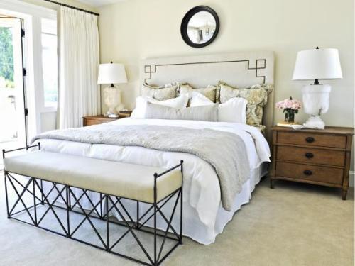Kamar tidur kecil all white (Hgtvhome)