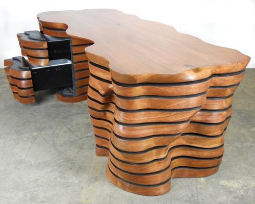 Meja kayu unik bergelombang (Furnsoc)