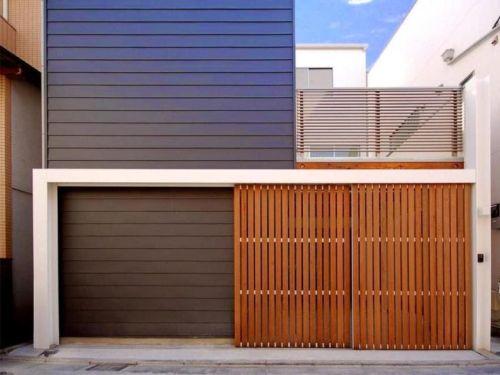 Pagar rumah minimalis modern berbahan kayu