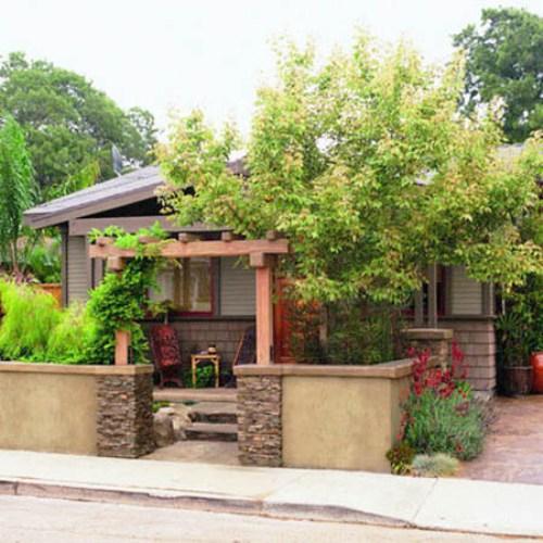 Pagar rumah sederhana dengan batu alam (Lushome)