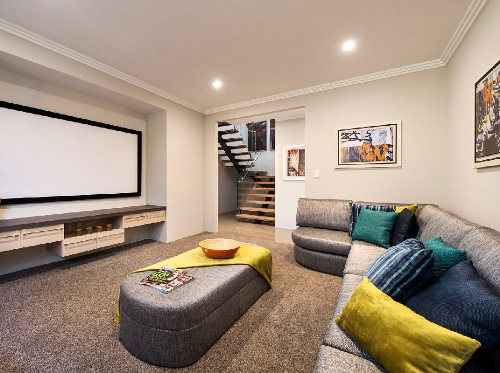 Ruang tamu di rumah minimalis 2 lantai