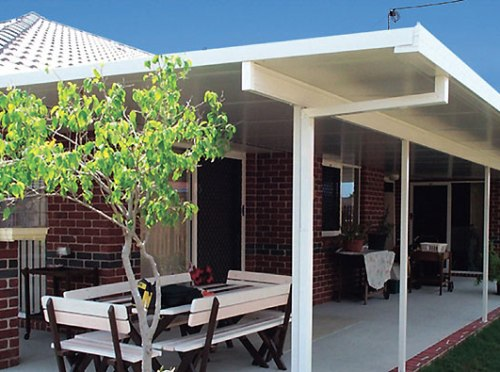 Teras rumah minimalis dari stainless steel -  Lysaght