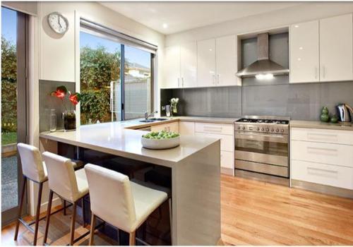 gambar dapur minimalis ukuran kecil namun terkesan lapang