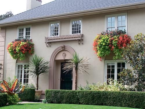 tampak depan rumah minimalis dengan planters - Just Bee Generous - Pinterest